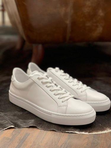 Artikel 84 / Sneaker Garment Project, Alt: 159.95 / Neu: 119.95