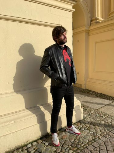 Herrenzimmer Potsdam-Frühjahrkollektion-Rot-Schwarz1