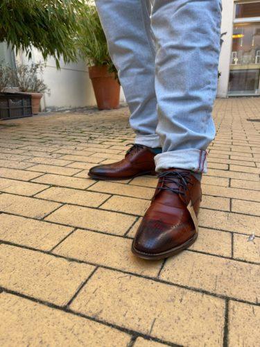 Artikel 162 /Jeans Blue de Gene 209.95 // Artikel 163 Schuhe Digel 149.95