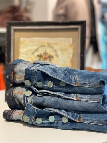 Artikel 318 / Jeans Blue de Gênes 219.95